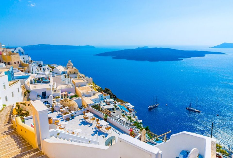 10-tips-for-family-vacation-in-santorini